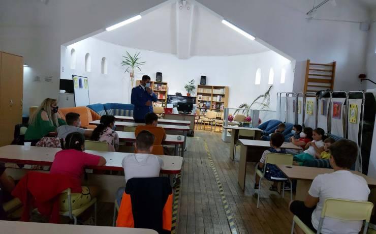 """O altă zi, o nouă activitate de informare și prevenire în cadrul proiectului """"Vacanță în Siguranță"""", derulat pentru copiii și tinerii din DGASPC Sector 2"""